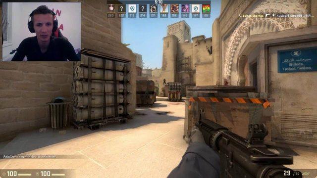 Edo igra CS:GO online, gleda i ne vjeruje